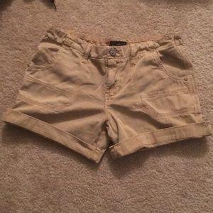Sanctuary tan cargo shorts size 29